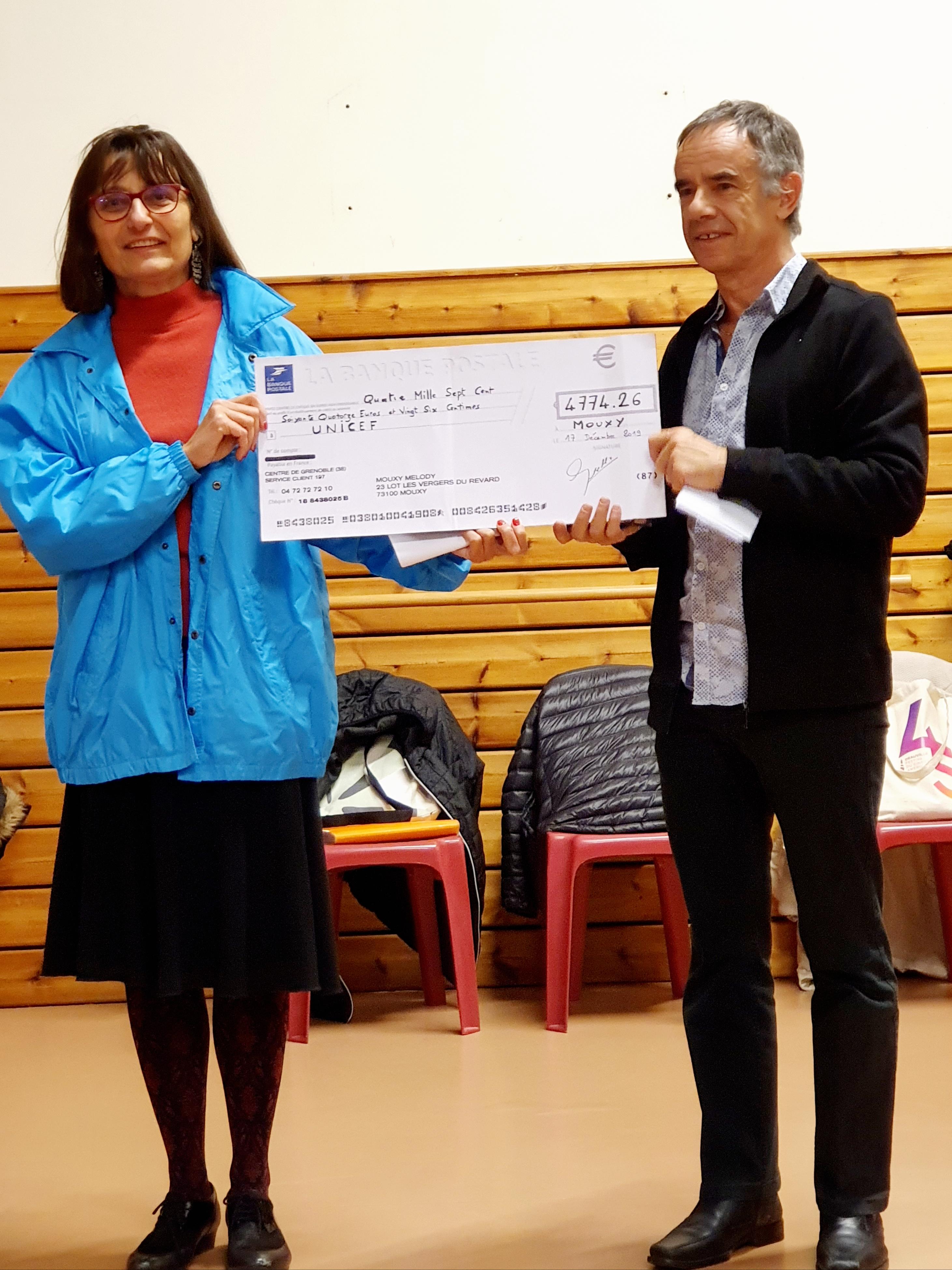 Cérémonie de remise du chèque à l'UNICEF
